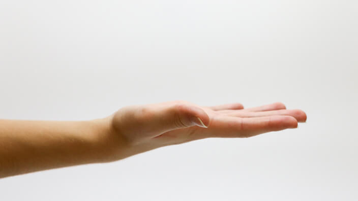 5 Neuro Techniques for Market Research-hands